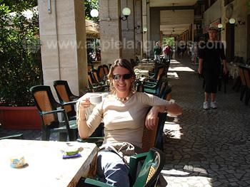 Van de Italiaanse koffie genieten