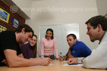 Dynamische Spaanse lessen op onze school