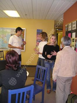 Frans oefenen in de kantine