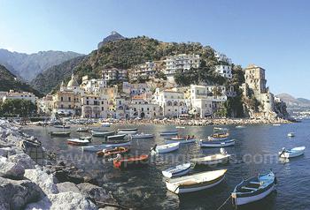 Salerno ligt aan de prachtige kust van Amalfi