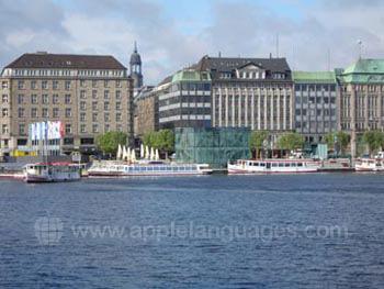 Hamburg vanaf de rivier