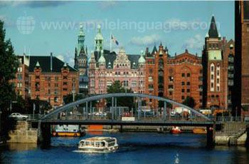 Hamburg heeft een drukke haven!