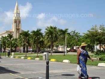 Het centrale plein, Sainte Anne