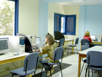 De computerruimte van de school