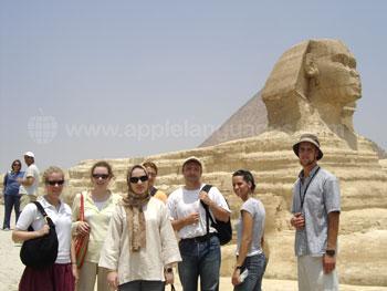 Studenten op excursie naar de Sfinx