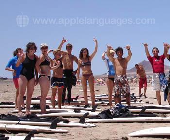 Studenten tijdens een surfles