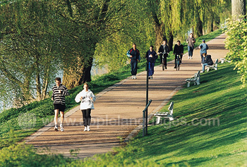 Joggen bij de rivier
