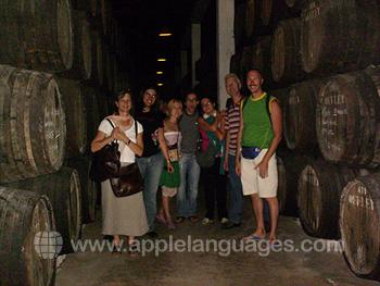 Bezoek aan wijnkelder