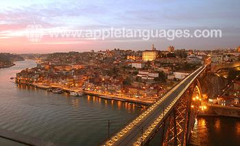 Zonsondergang over Porto