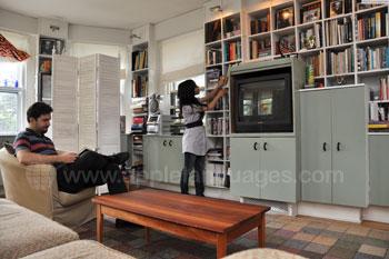 De woonkamer van een gastgezin