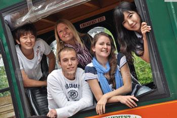 Studenten op een Trolley Tour