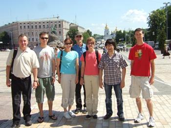 Studenten tijdens een rondleiding door Kiev
