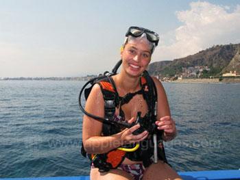 Studenten die zich voorbereiden om te gaan duiken