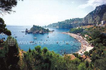 Uitzicht over Taormina