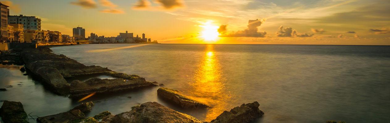 Zonsondergang in Havana, Cuba